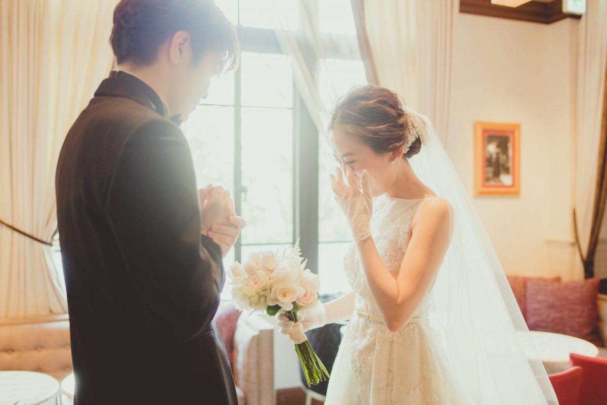 有形文化財である赤坂プリンスクラシックハウスの上質で落ち着いた空間で行われたファーストミートは、新婦様も思わず涙されるほど感動的なシーンとなりました