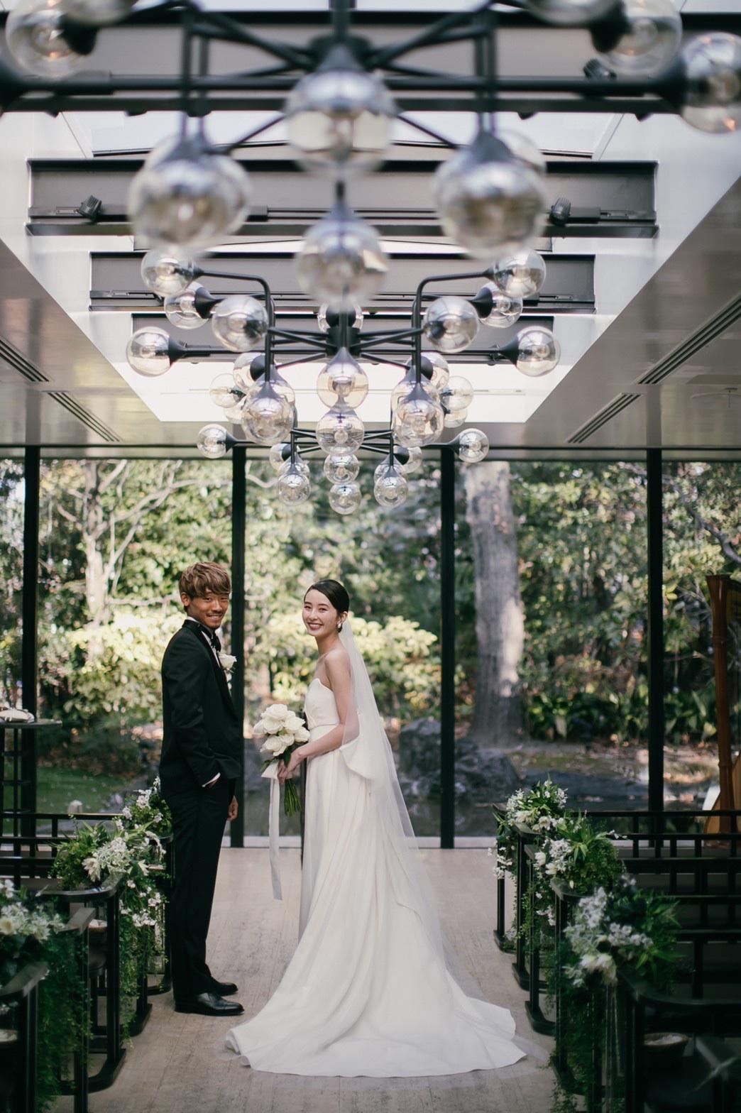 大阪で叶えられるナチュラルウェディング。グリーンたっぷりな空間でアットホームな結婚式を。