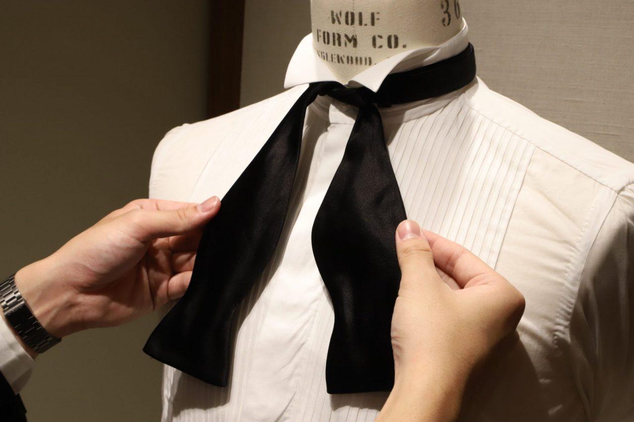 蝶ネクタイの結び方をご紹介。その②