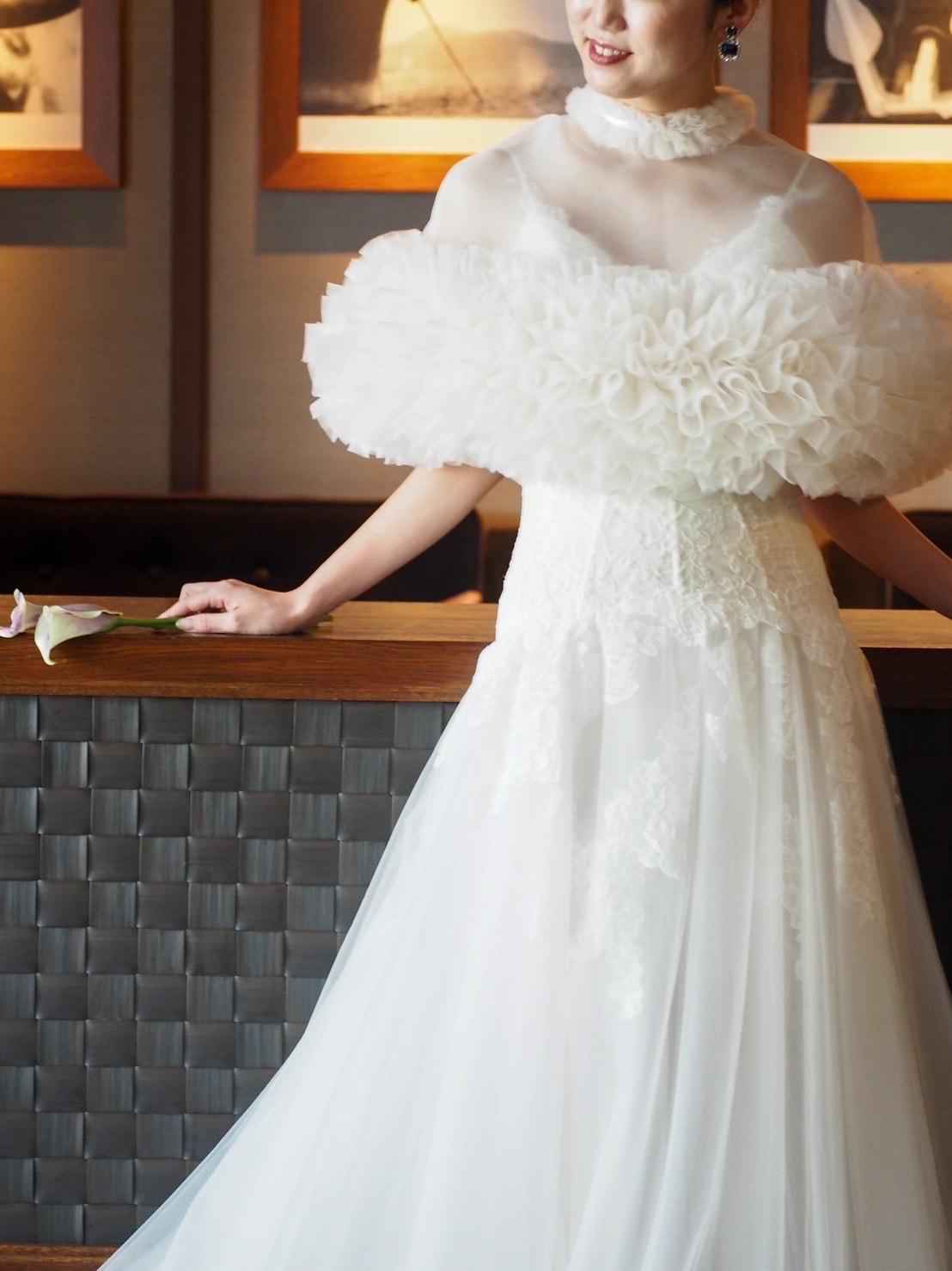 オリエンタルホテル神戸でのパーティーシーンにおすすめのTOMO KOIZUMI for TREAT MAISON(トモ コイズミ フォー トリート メゾン)のケープのご紹介