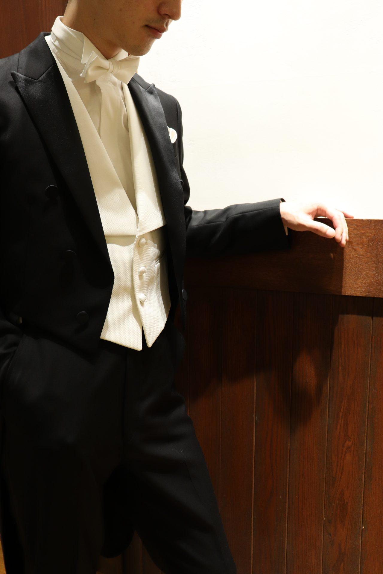 ・新郎様にお勧めしたい格式高い燕尾服でのフォーマルスタイル