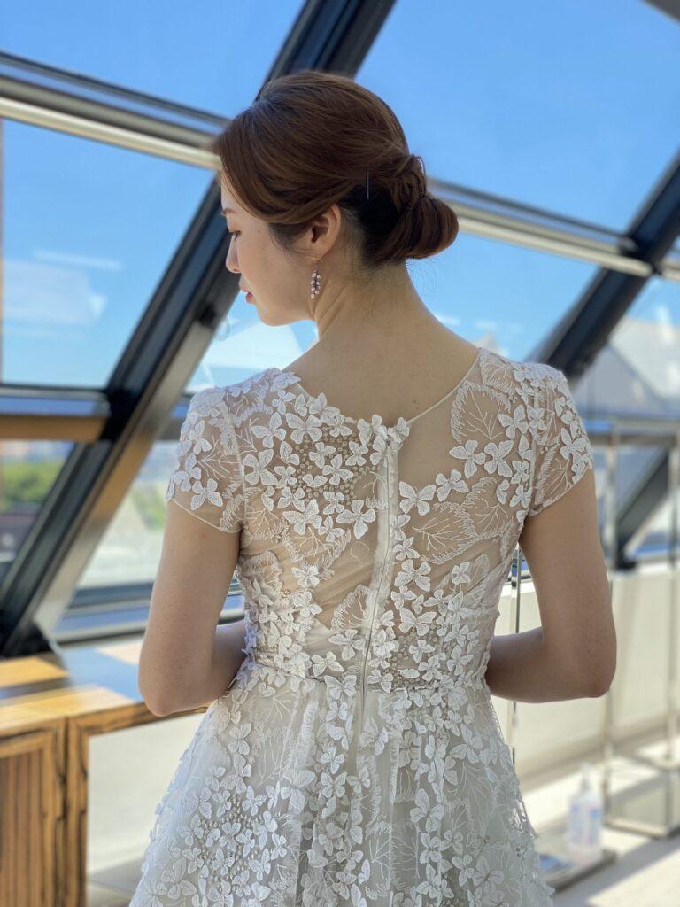 Elizabeth Fillmore(エリザベス フィルモア)蝶々が舞い降りたAラインのウェディングドレスのご紹介