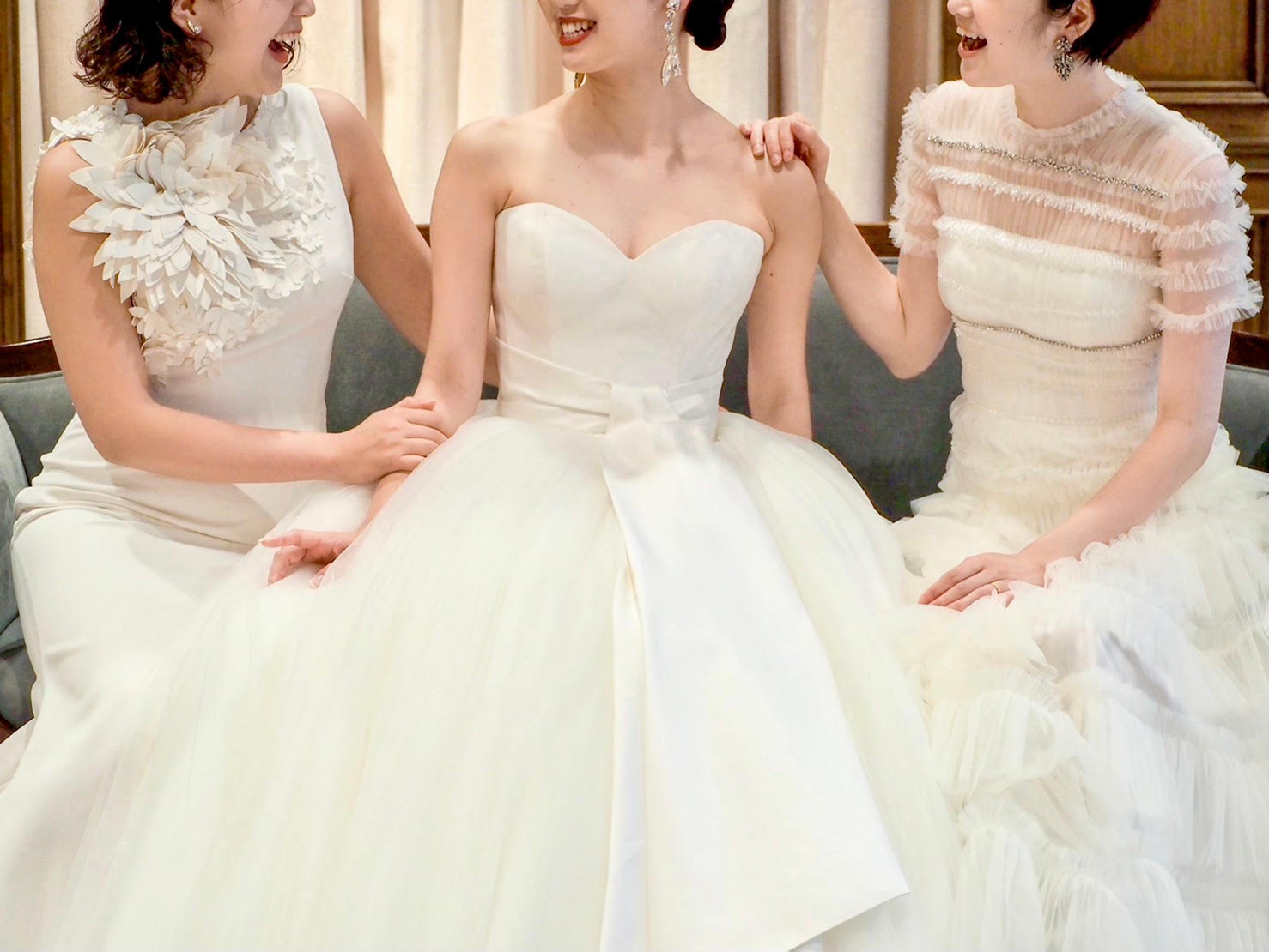 トリートドレッシング神戸店のヴィクターアンドロルフの結婚式におめしいただくウェディングドレス