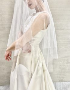 THE TREAT DRESSING神戸店から、正統派ウェディングドレスを求める花嫁におすすめのウェディングドレスのご紹介
