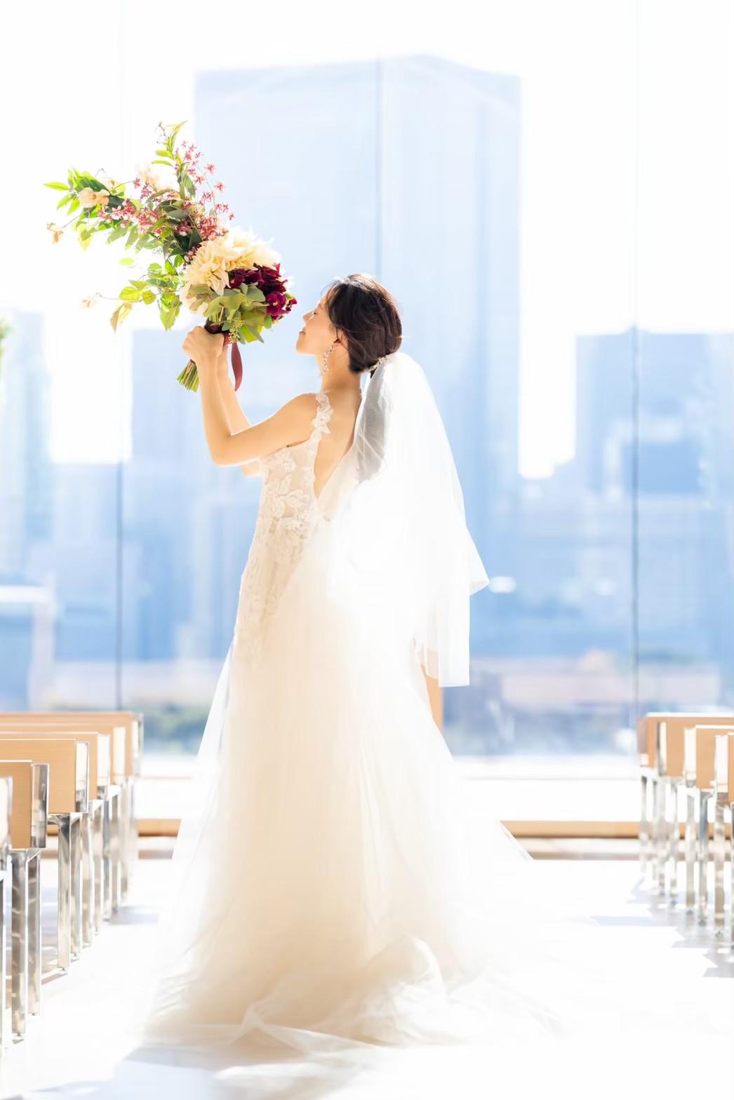 東京の人気結婚式会場パレスホテル東京では、開放的なチャペルでの前撮りがおすすめです
